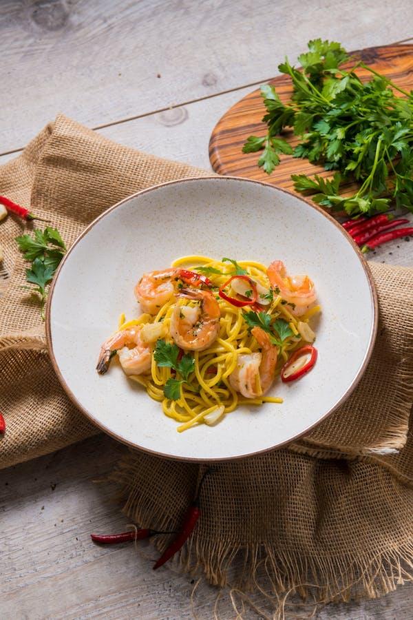 Spaghetti aglio olio z krewetkami