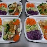 Filet drobiowy grillowany ryz warzywa na parze