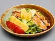 Salată cu Șnițel de Pui