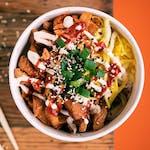Kubełek z kurczakiem po koreańsku