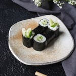 Hosomaki Kappamaki (ogórek i sezam)