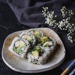 California (surimi/ogórek/awokado)