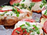 Filet z kurczaka cztery sery - Mimolette , Rokpol, Mozzarella , camembert ,pomidor