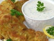Smażona Ryba  prosto z patelni , Autorski sos tatarski ,frytki, surówka