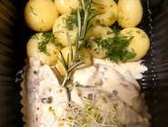 Polędwiczki wieprzowe w sosie z zielonego pieprzu, kluski śląskie, ćwikła z buraka