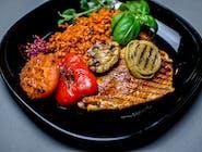 Zestaw siłacza - filet z indyka, ryż na czerwono, grilowane warzywa,