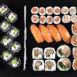 Friends (34 szt.) Egzotyczne smaki w sushi! (+18 szt. za jedyne 19.90 zł)