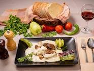 Mușchi de vită cu gorgonzola și ciuperci