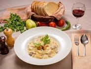 Tagliatele cu mușchi de vită și gorgonzola