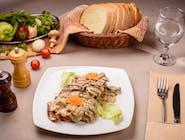 Ciolan de porc (felii) în sos de ciuperci