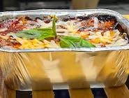 Parmigiana - wegetariańskie danie na bazie bakłażanów, pomidorów i mozzarelli fior di latte