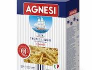 Makaron TROFIE LIGURI 500g - Makaron Agnesi produkowany jest z pszenicy durum, używając w największej ilości odmiany Kronos. To wyjątkowa pszenica, która charakteryzuje się łagodnym smakiem złotym kolorem, wysokim stopniem zawartości białka. Semolina jest mieszana we własnym młynie. Jedyna w swoim rodzaju receptura, doświadczenie Agnesi, powolne suszenie jak nakazuje tradycja (15 godzin powolnego suszenia dla Spaghetti Agnesi), wszystko to jest fundamentalne dla zatrzymania wartości odżywczych, pełnego i bogatego smaku pszenicy i odpowiedniej sprężystości w gotowaniu.