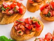 Bruschetta - dojrzałe pomidory z bazylią i czosnkiem w naszej domowej oliwie, nie zawiera pieczywa