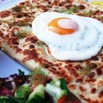 5. Kurczak w kremowych pieczarkach, mozzarella, szpinak świeży, sos