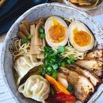Kimchi ramen z pierożkami gyoza -smak MAJA/ oferta limitowana