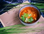 Pikantna zupa kimchi