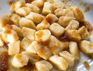 Kopytka z masłem i bułką tartą