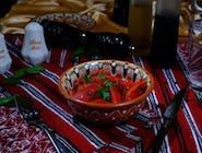 Salată de ardei copți cu usturoi