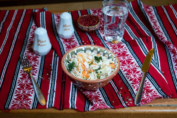 Salată de varză albă cu morcov