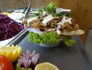 Kebab duża bułka z serem