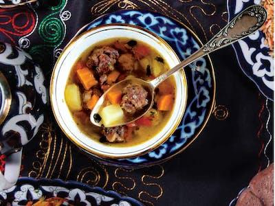 Zupa shorpa z baraniną i warzywami