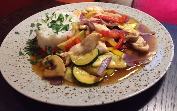 Kurczak z warzywami po chińsku (180g)