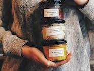 marchewka z masłem orzechowym