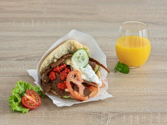 Kebab w bułce, z wołowiną