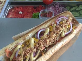 Hot-dog z dodatkami