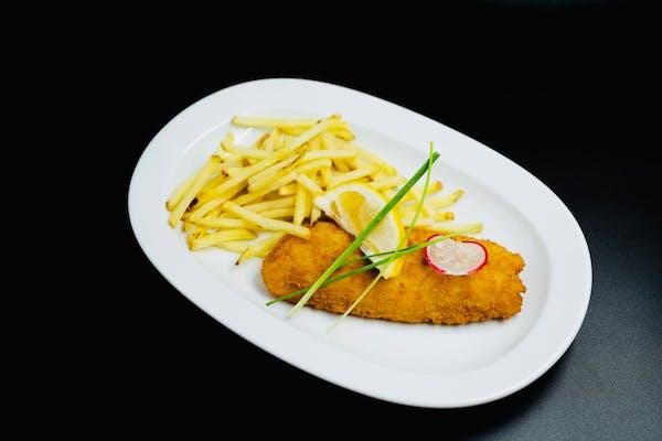 Fish & Chips si sos remulade- cod pane, cartofi prăjiți