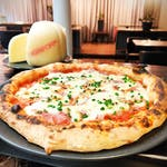 12 - Pizza Provolone e Cotto + opakowanie (1,50)
