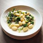 Gnocchi z sezonowymi warzywami + opakowanie (1,00)
