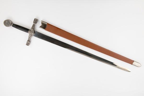 Sabia Excalibur cu toc -114cm
