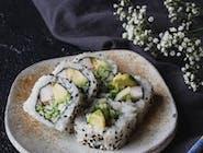 California (surimi/ogórek/awokado) (8szt.)