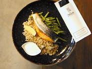 Stek z łososia z sosem cytrusowym