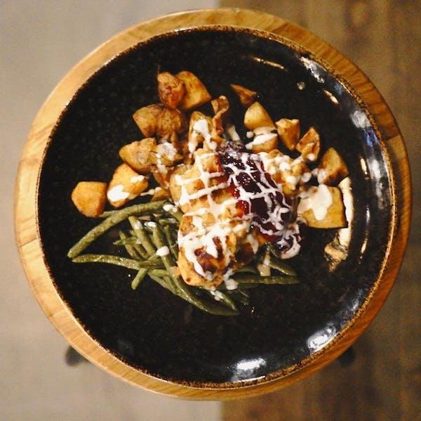 Filet z kurczaka w garniturze z sera wędzonego