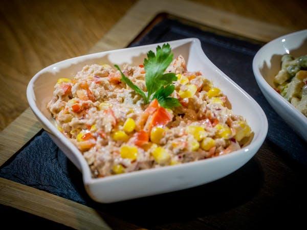Salată de ton 200 gr/pers