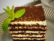 Ciasto czekoladowo miodowe przekładane kremem budyniowo śmietankowym