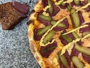 Pizza pastrami - Najlepsze PASTRAMI /  sos z pomidorów pelati/ mozzarella/ ogórek kiszony/ musztarda jalapeno
