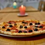 Pizza Salame e Olive
