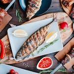 Makrela z warzywami z grilla