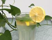 Lemoniada ciepła (cytryna, imbir)