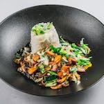 Wege wok s tostiranim tofuom