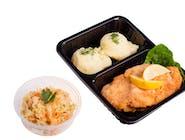 Miruna panierowana, ziemniaki z koperkiem, surówka z kapusty kiszonej