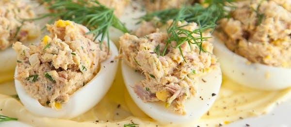 Jajka faszerowane musem z tuńczyka