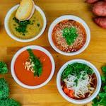Domowa pomidorowa z makaronem lub ryżem