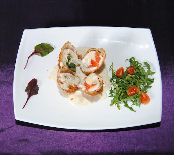 Pollo Alexander cu sos gorgonzola și cu cartofi copți