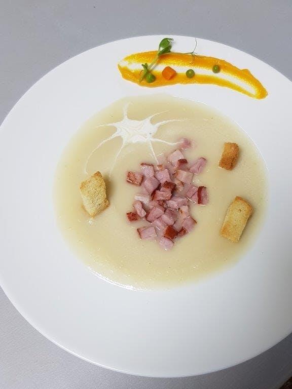 Supă cremă de țelină cu prosciutto