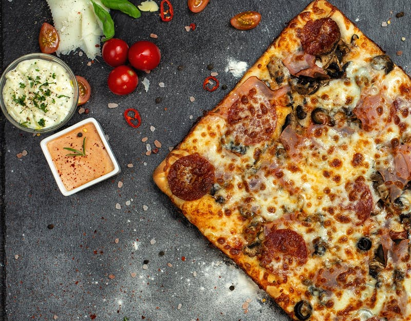Comandă 5 Pizza și primești 1 Gratis!