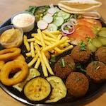 Zestaw falafel z onion rings